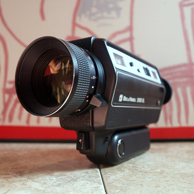 vintage super 8 camera 1979 bell and howell retro movie camera with film and black leather case. Black Bedroom Furniture Sets. Home Design Ideas