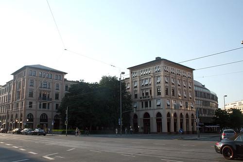 Maximilianstraße, Ecke Karl-Schamagl-Ring