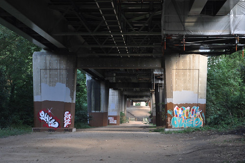 Graffiti under the M4