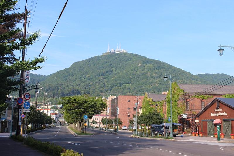 朝の函館山