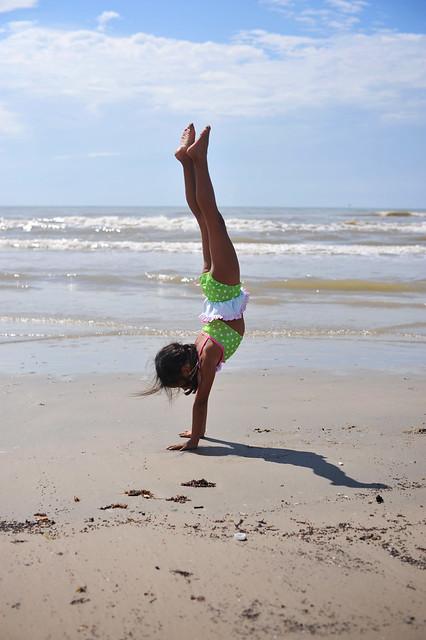 handstand_8889