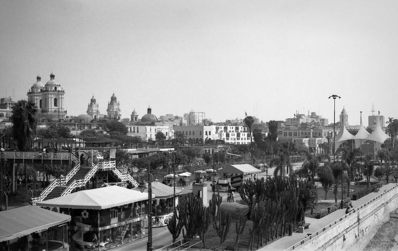 Fotografía convencional, Lima en rollo: Parque de la Muralla.