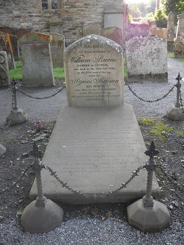 Burns' parents' grave