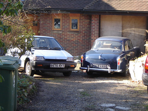 Honda Civic Shuttle 1985 and Alvis TE21 1966