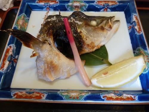 刺身、小ぶりかま焼き定食