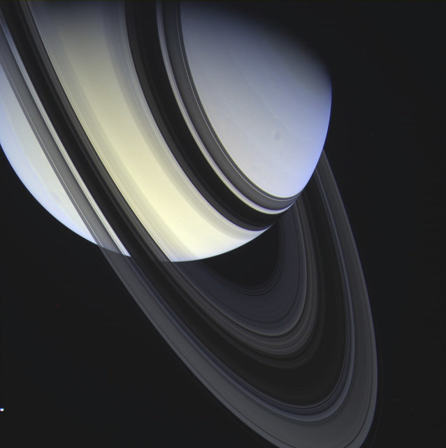Photo:Saturn and Rings By:Val Klavans