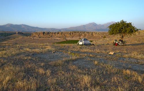 Camping above Güzelyurt monastery