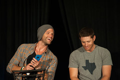 SPN_Dallas_2016_Jared_and_Jensen_main_panel_090
