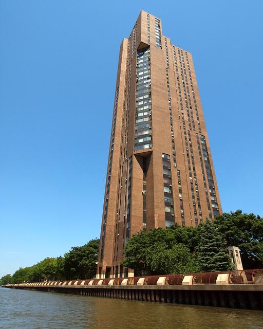 River Park Apartments Bronx: Harlem River Park Tower II, Morris Heights, Bronx, New