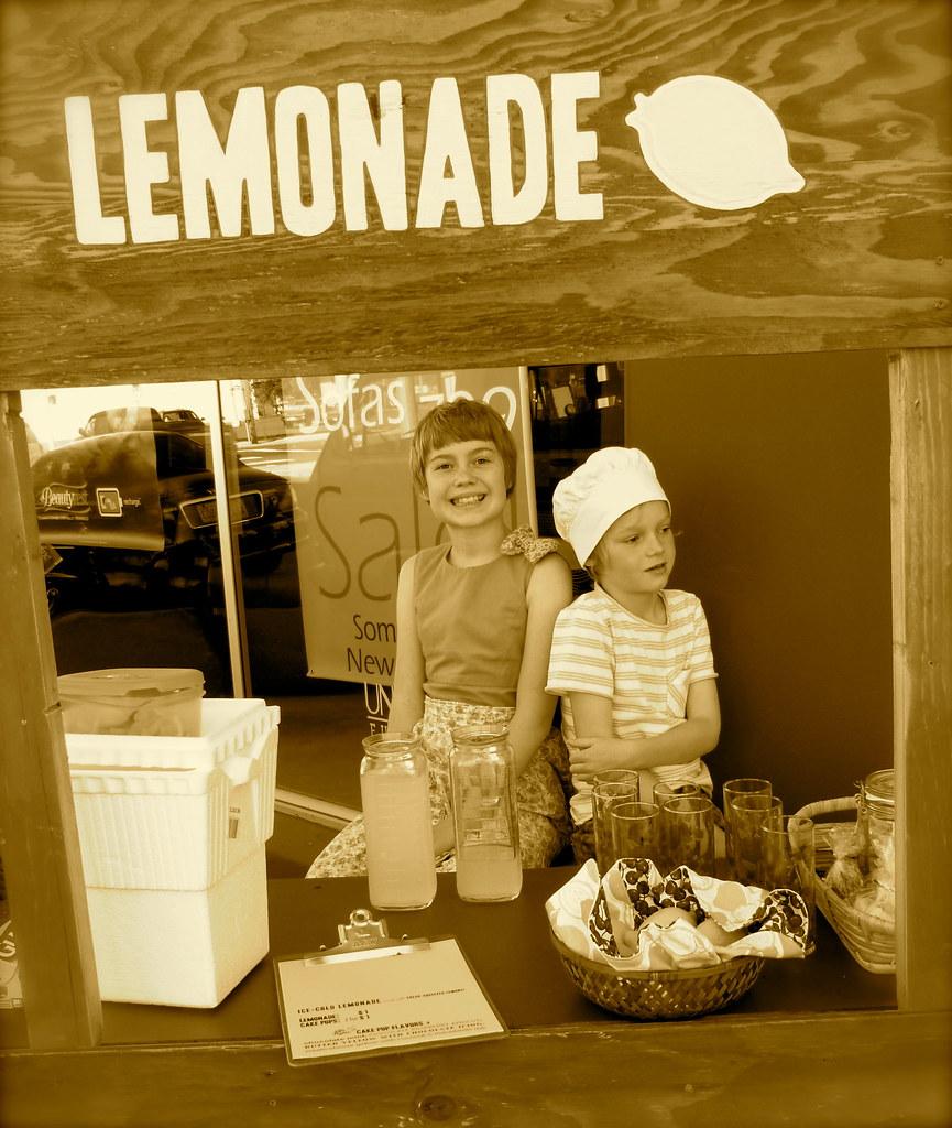 Phoenix & Nels' Lemonade Stand