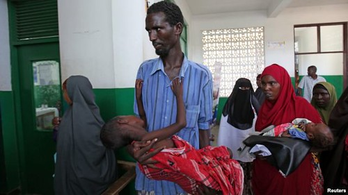 A cholera outbreak is taking place in southern Somalia. People are bringing their children to clinics for treatment. by Pan-African News Wire File Photos
