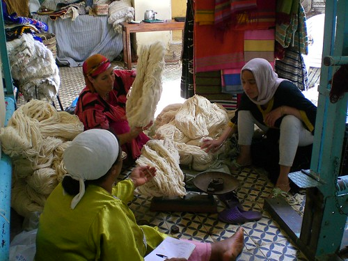 Weighing yarn to be used in a special-order pile rug