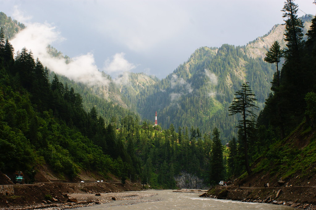 """MJC Summer 2012 Excursion to Neelum Valley with the great """"LIBRA"""" and Co - 7635708210 a72854dc74 b"""
