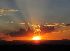 [フリー画像素材] 自然風景, 朝焼け・夕焼け, 空, 雲, 薄明光線 ID:201208042000