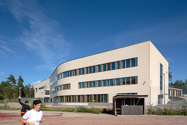 Mårtensbron koulu Espoossa