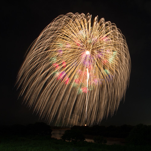 3 shaku fireworks - the largest fireworks in Kanto region