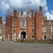 Thames Path 03 - Hampton Court Palace front