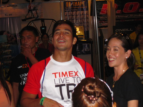 Ironman 70.3 Philippines: Piolo receives Yurbuds