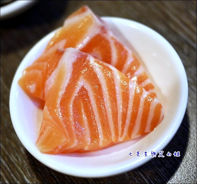8 鮭魚不賴
