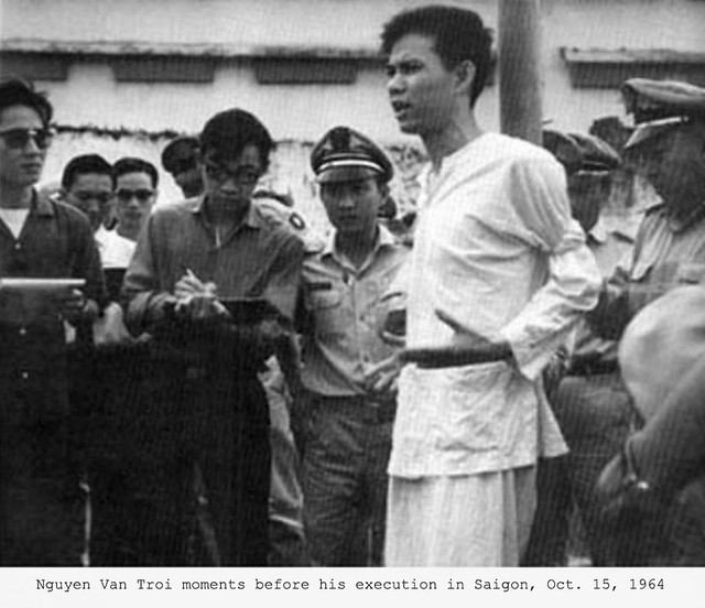 Nguyen Van Troi moments before his execution
