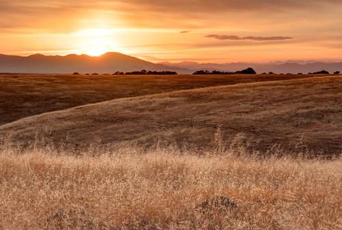 california sunset grass landscape unitedstates anderson pasture rollinghills trinityalps sacramentovalley shastabally