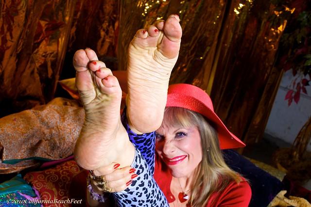 Mature Sexy Women Feet 7