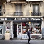 Paris streets, en route Belleville to République #lovingthemoment