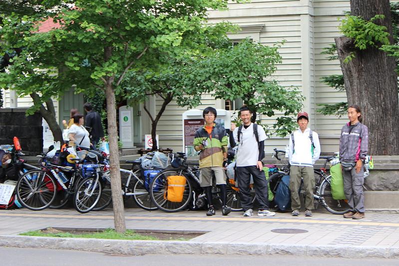 札幌時計台での記念撮影