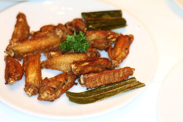 Greyhound Cafe's Greyhound Famous Fried Chicken Wings
