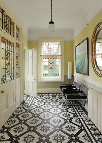 Interior decorating idea gallery tiled hallway for Professional interior decorator