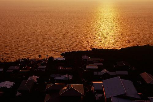 sunset 6x6 mamiya film analog mediumformat hawaii golden fuji velvia thebigisland captaincook 80mm sekor c330f kaoheroad