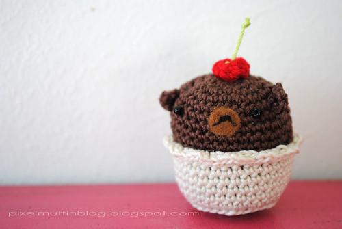 amigurumi bear muffin