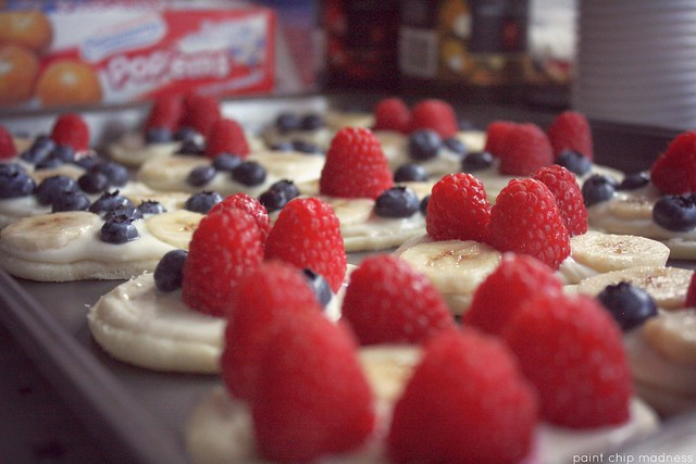 patriotic fruit pizzas.