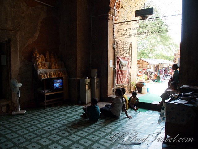 Entertainment in the temple