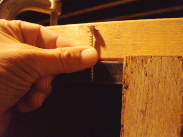 Setting and marking the screw depth...