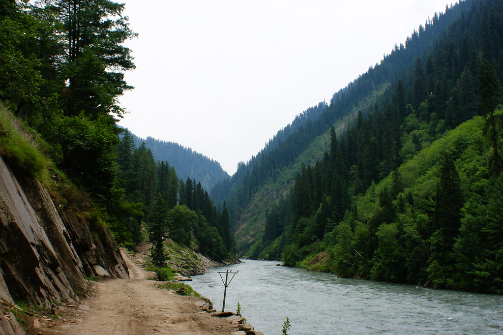 """MJC Summer 2012 Excursion to Neelum Valley with the great """"LIBRA"""" and Co - 7595293358 81909cd36a b"""