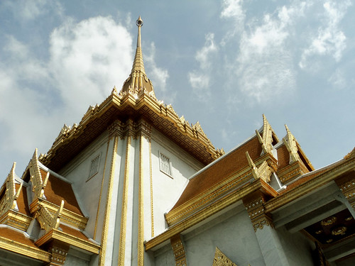 Wat Trimitr Temple