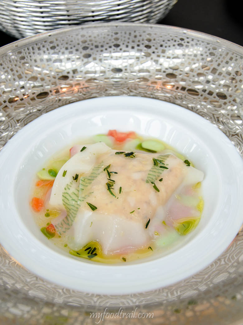 Joel Robuchon au Dome, Macau - Slow roast sea bass in an open ravioli