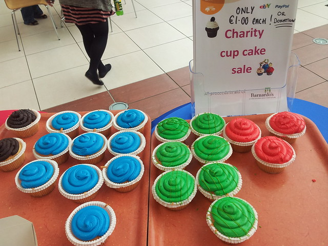 Cupcakes (in olympic colors) for charity