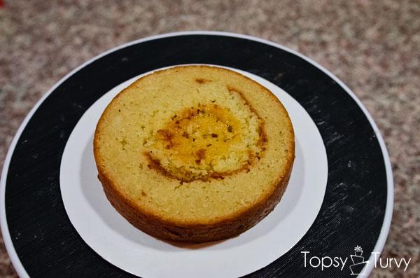 blue-ombre-buttercream-smash-cake-layer