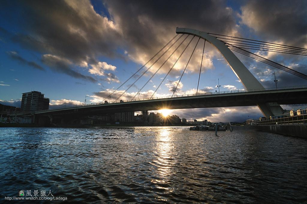 大直橋 黎明升起
