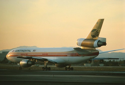 N68048 Continental DC -10-10 at KLAX