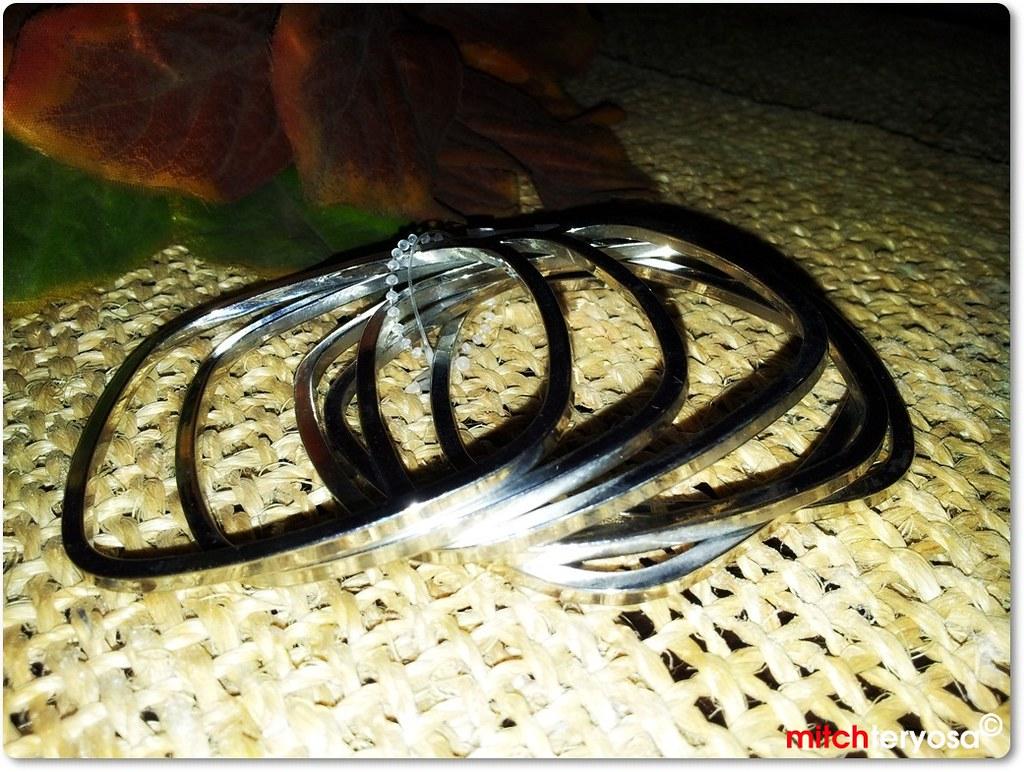 Multipke bangle in silver