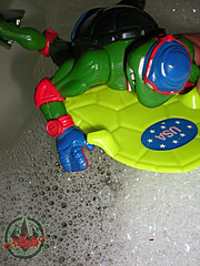 """TURTLE GAMES"" TEENAGE MUTANT NINJA TURTLES :: SUPER-SWIMMIN' RAPH xvii / Kowabunga Kickboard (( 1992 ))"