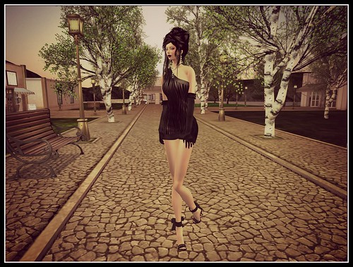 *Vogue* Aug Gift (Mesh) by Cherokeeh Asteria