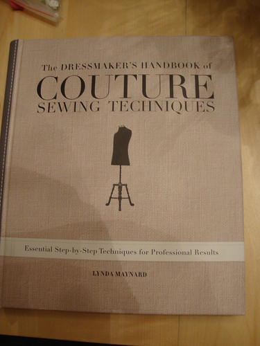 The Dressmaker's Handbook of Couture Sewing Techniques