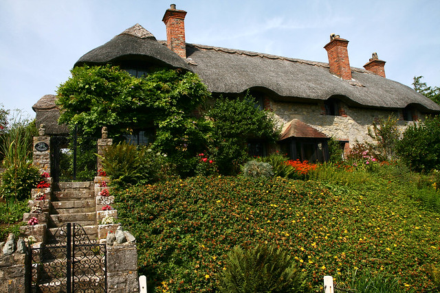 IOW-godshill-thatchedcottage