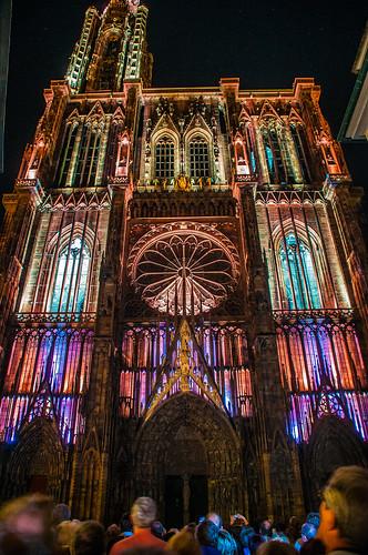 Resultado de imagen de catedral de noche strasbourg iluminada