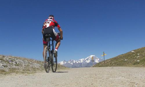 View summiting Col des Frettes