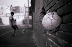 """""""Ball In The Wall"""""""